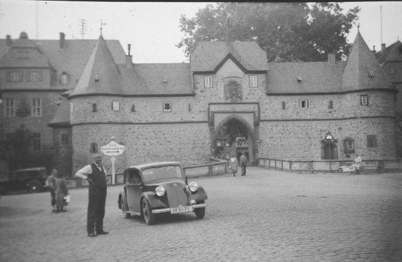 Mercedes-Benz_130_in Friedberg_30er_Jahre
