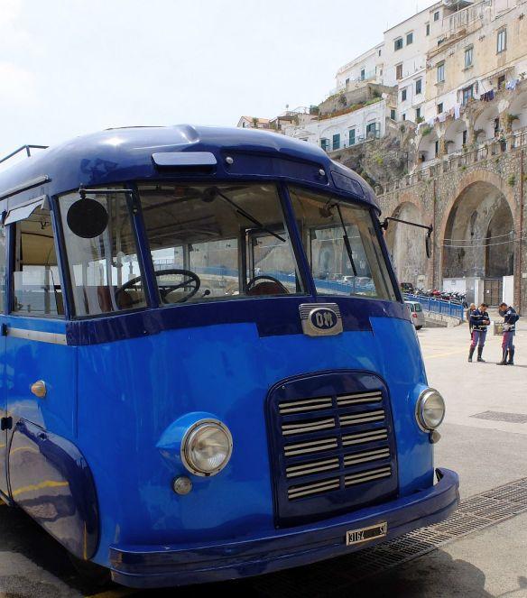 OM-Bus der 50er Jahre in Atrani_2