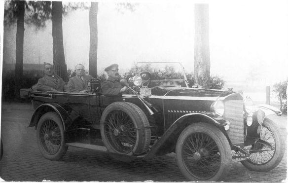 Adler_9-24_oder_9-30_PS_Taxi_Mitte_1920er_Galerie