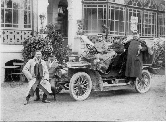 adler_motorwagen_driburg_um_1907_galerie