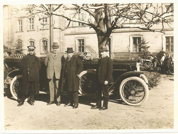 Adler_Spitzkühler_Tourenwagen_Anfang_1920er_Galerie