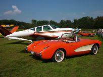 Chevrolet Corvette und Beechcraft Bonanza