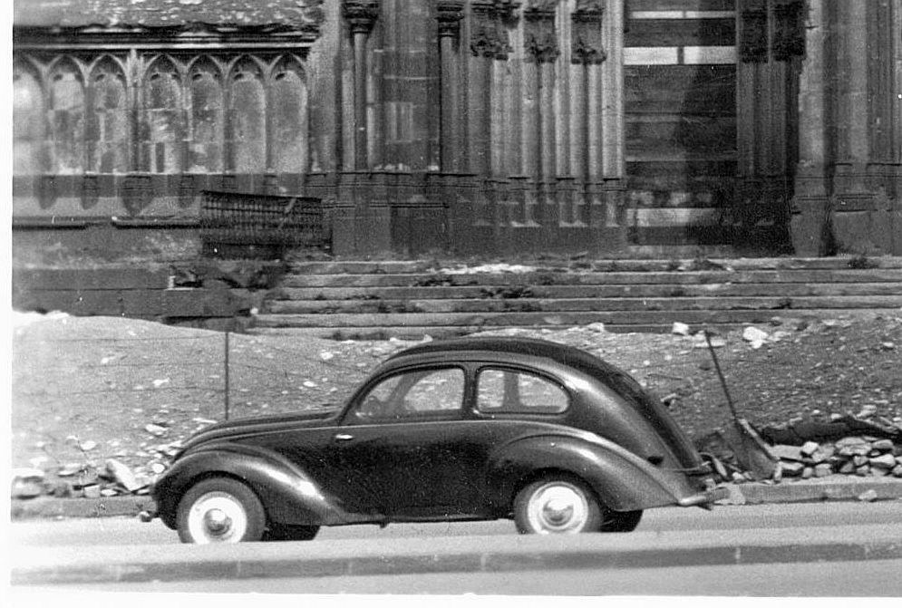 Hanomag_1.3_Liter_Köln_Ak_08-1949_Ausschnitt