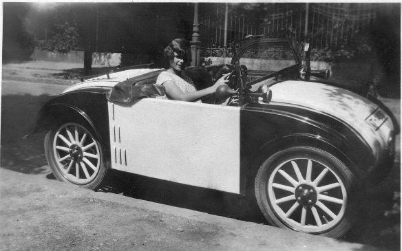Hanomag_2-10_PS_Kommissbrot_Cabrio_1928_Galerie