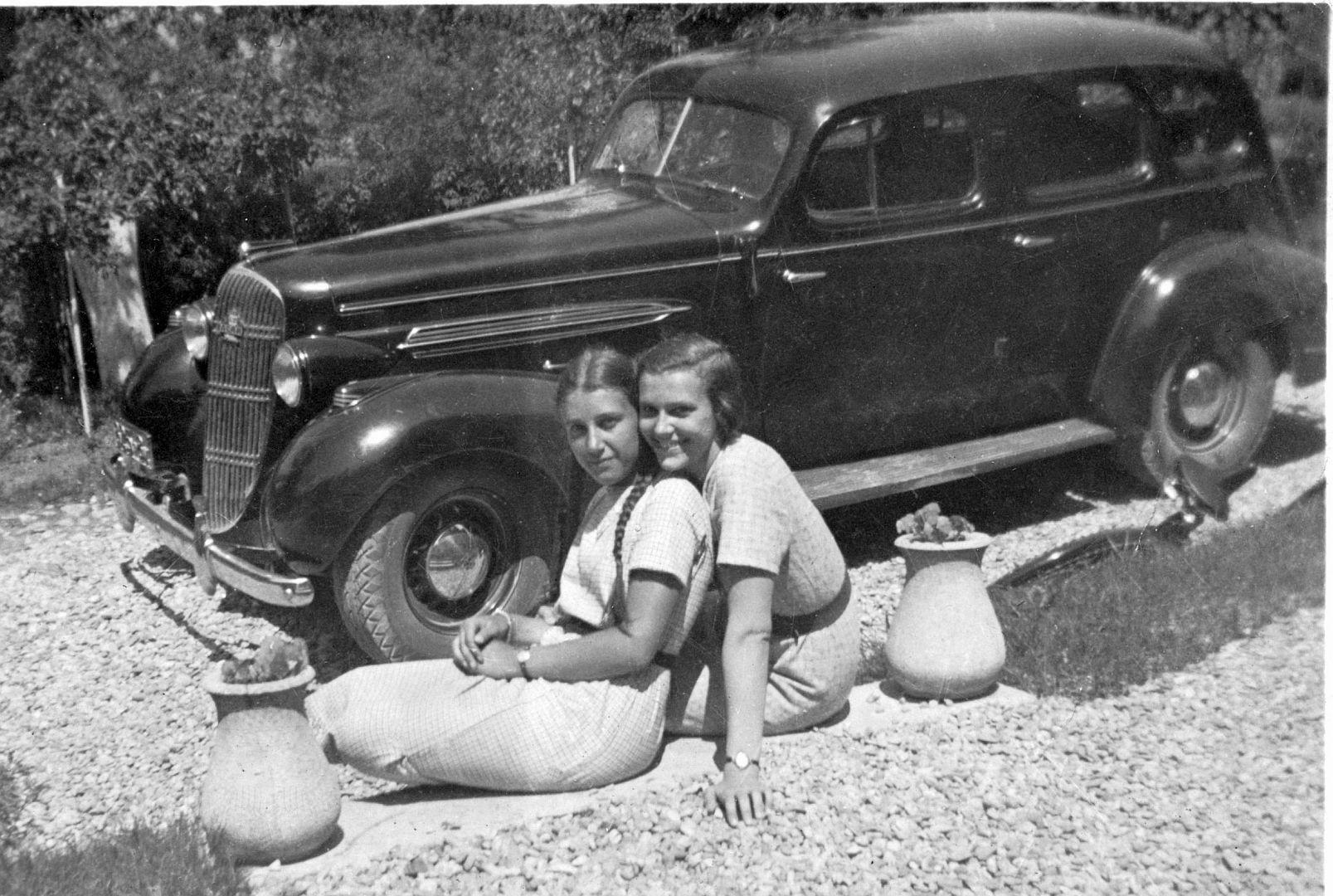 Oldsmobile_1935_Galerie