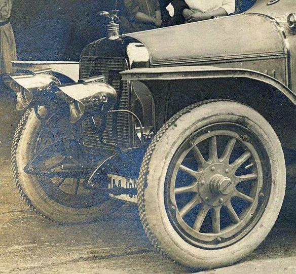 Adler_10-25PS_Tourenwagen_1913_Frontpartie