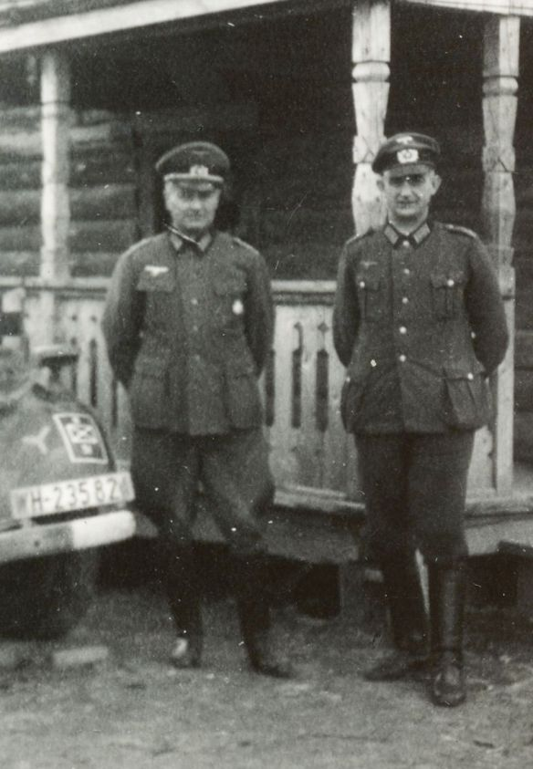 Adler_Diplomat_Tourenwagen_Offiziere