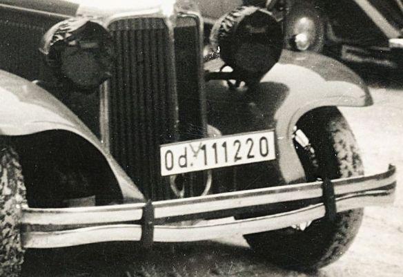 Chrysler_Imperial_1931_Steyr_120_1935-36_Frontansicht.jpg