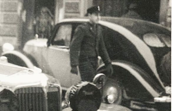 Chrysler_Imperial_1931_Steyr_120_1935-36_Soldat