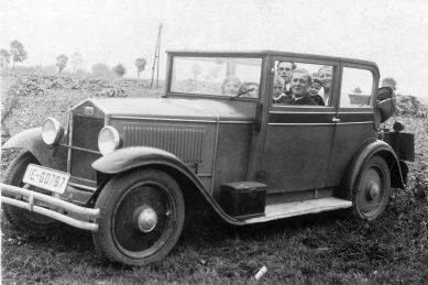 DKW_V800_Cabrio-Limousine_vollbesetzt_Galerie