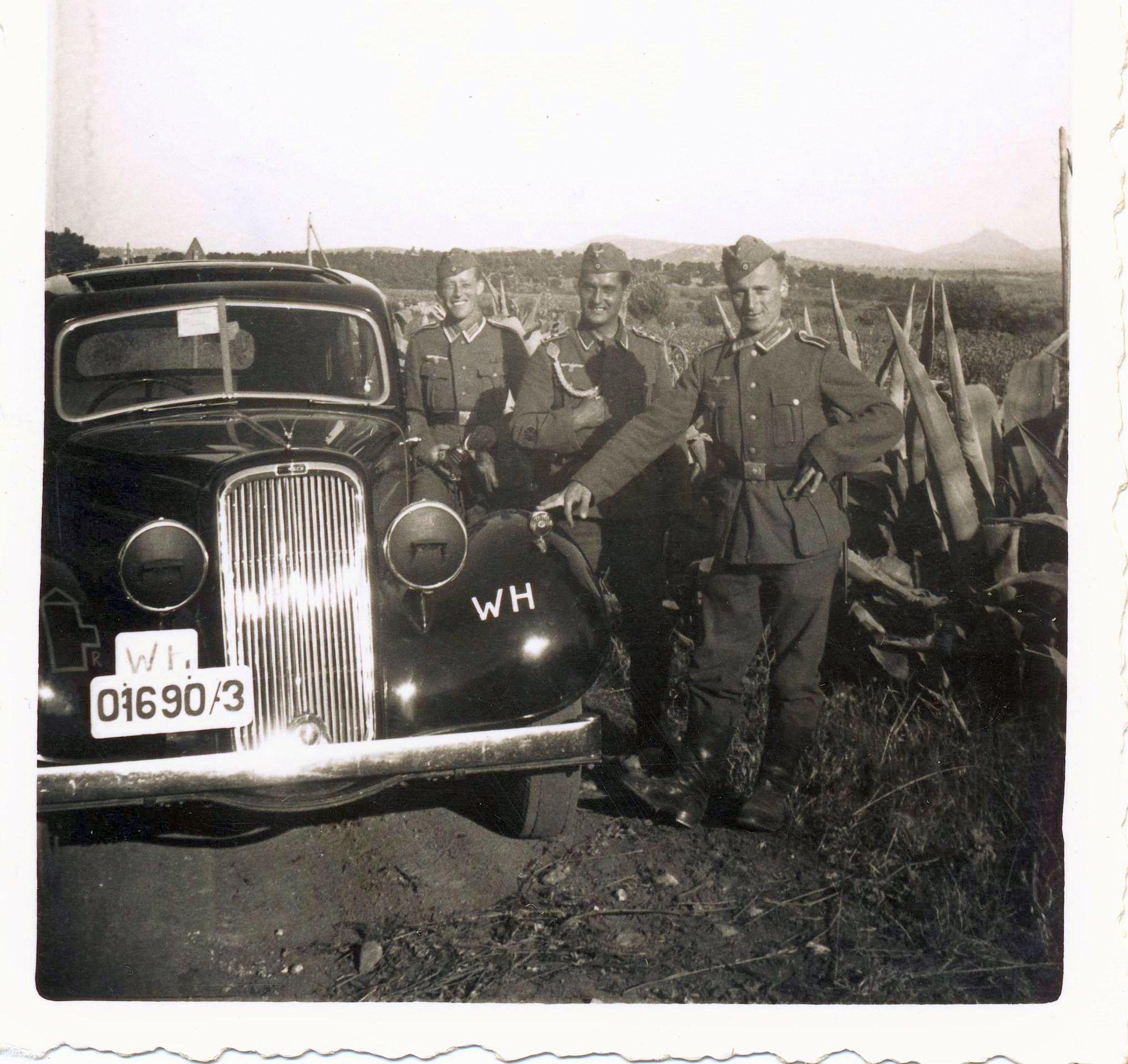 Humber_Pullman_Balkan_1941