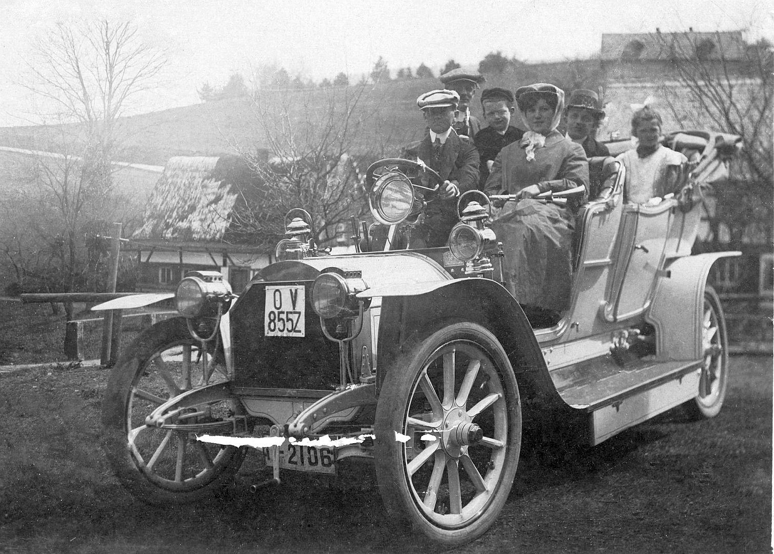 Opel_Tourer_1907-08_Oma_Käthe_Galerie
