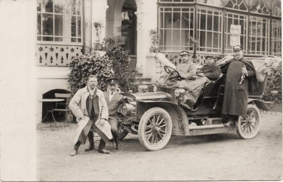Adler_Motorwagen_Driburg_um_1905