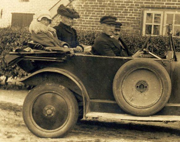 Opel_4-14_PS_bei_Wilhelmshaven_1928_Heckpartie