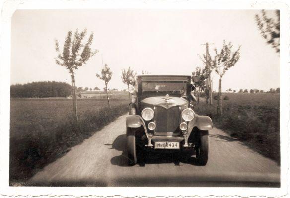 protos_10-30_ps_limousine_1918-24_front_galerie
