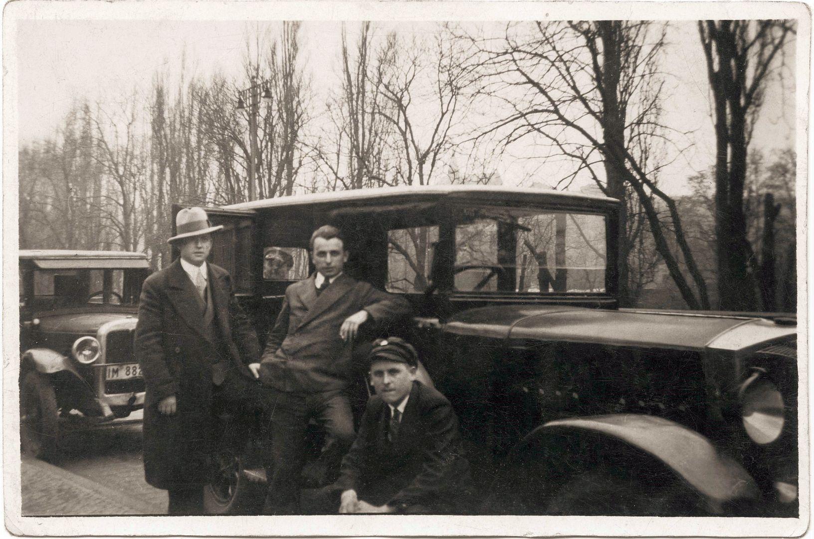 protos_10-30_ps_limousine_1918-24_seite_galerie