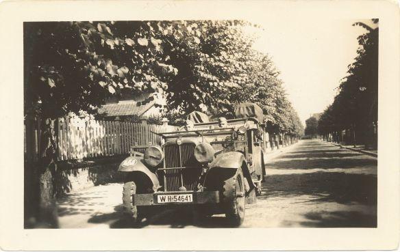 Stoewer_M12_RW_Kübelwagen_Normandie_1940_1_Galerie