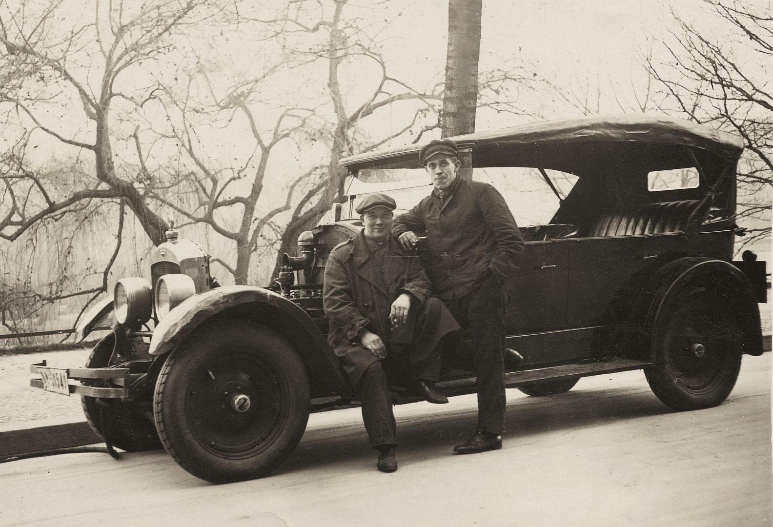 auburn_6_1923-4_galerie