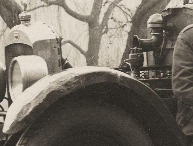 auburn_6_1923-4_motorraum