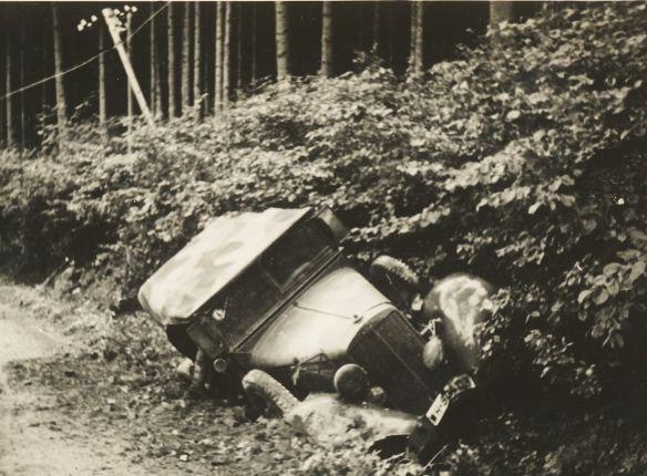 horch_kubelwagen_nach_beschuss_galerie