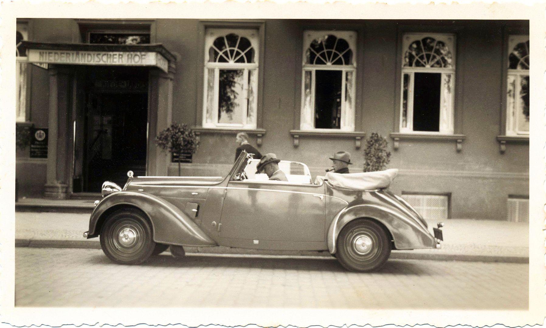 steyr_200_cabriolet_1936-40_schwerin_galerie
