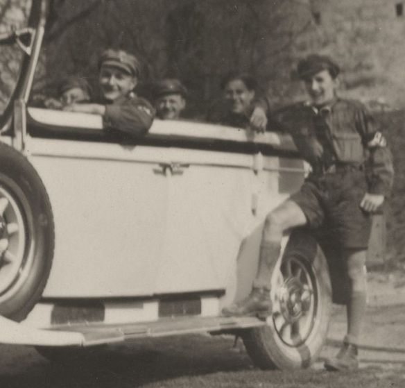 mercedes_nurburg_baujahr_1933_burg_saaleck_heckpartie