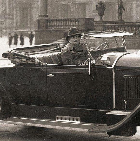 Packard_533_Berlin_04-1935_Besitzer.jpg