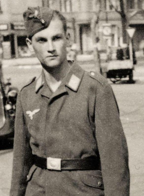 plymouth_1934_flieger_bobby_05-1942_ausschnitt3