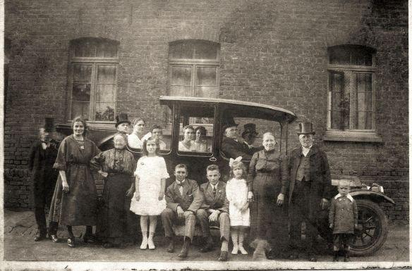 grosfamilie_um_1920
