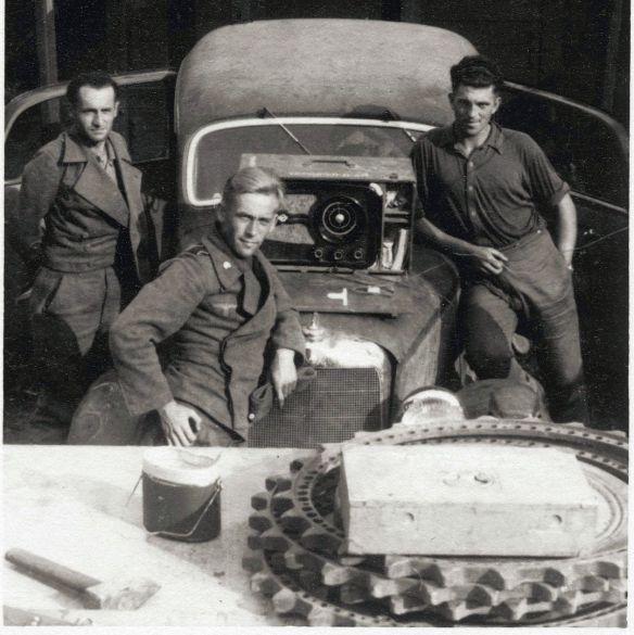 Mercedes_170V_Panzereinheit_09-1943_Auschnitt