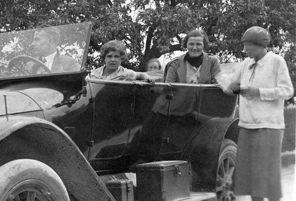 Benz_8-20_PS_1912-14_Nachkrieg_Insassen