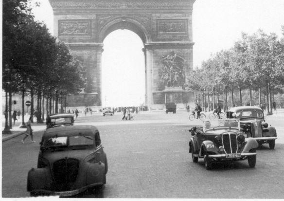 Wanderer_W22_Phaeton_Plymouth_1937_Peugeot_402_Ausschnitt