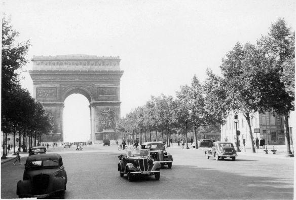 Wanderer_W22_Phaeton_Plymouth_1937_Peugeot_402_Galerie