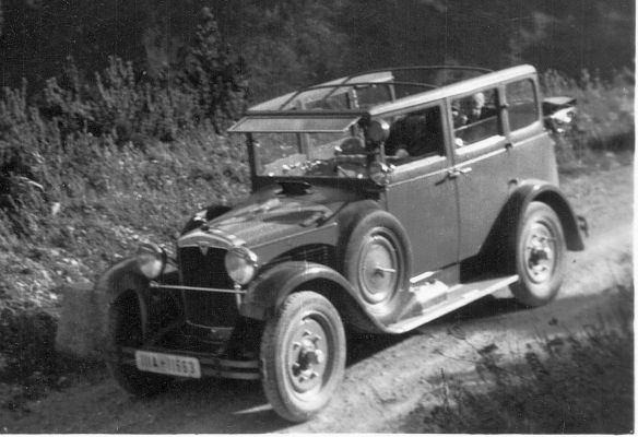 Adler_Standard_6_Allwetter-Limousine_bis 1930_Ausschnitt