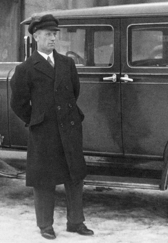 Essex_Super_Six_1930_Dresden_Fahrer
