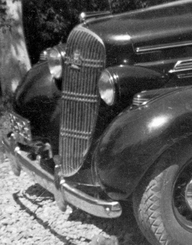 Oldsmobile_1935_Frontpartie2