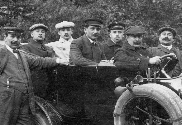 Opel_Taxi_um_1911_Insassen