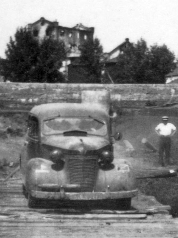 Chrysler_Royal_1937_Rückseite_Stempel_Wien_Ausschnitt_1