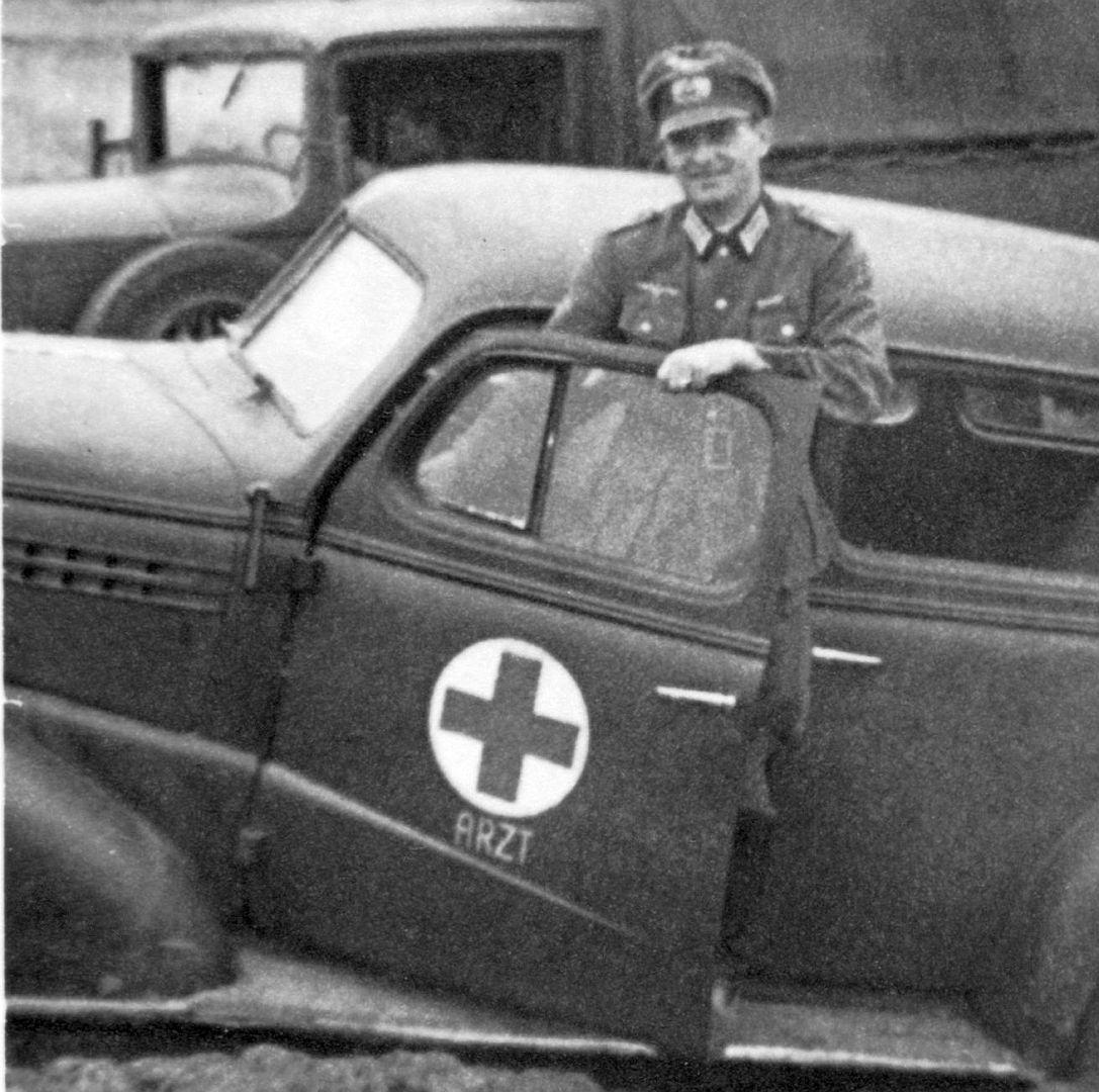 Chevrolet_1938_Fahrt_zum_Rgmt-Gefechtsstand_09-1941_1_Ausschnitt1