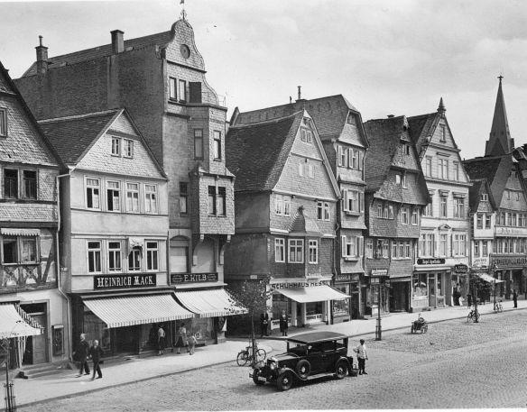 Mercedes-Benz_Mannheim_Friedberg_1930er_Jahre