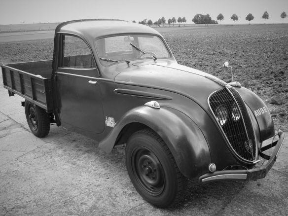 Peugeot_202 UH_2014_galerie