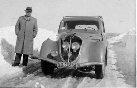 Peugeot_202_Winter_1951-52_Galerie