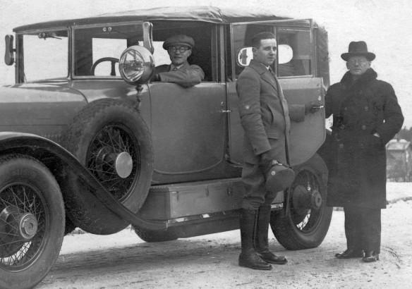 Lincoln_1925-26_Ak_Riesengebirge_nach_Neustadt_Harz_Neujahr_1927_Passagiere