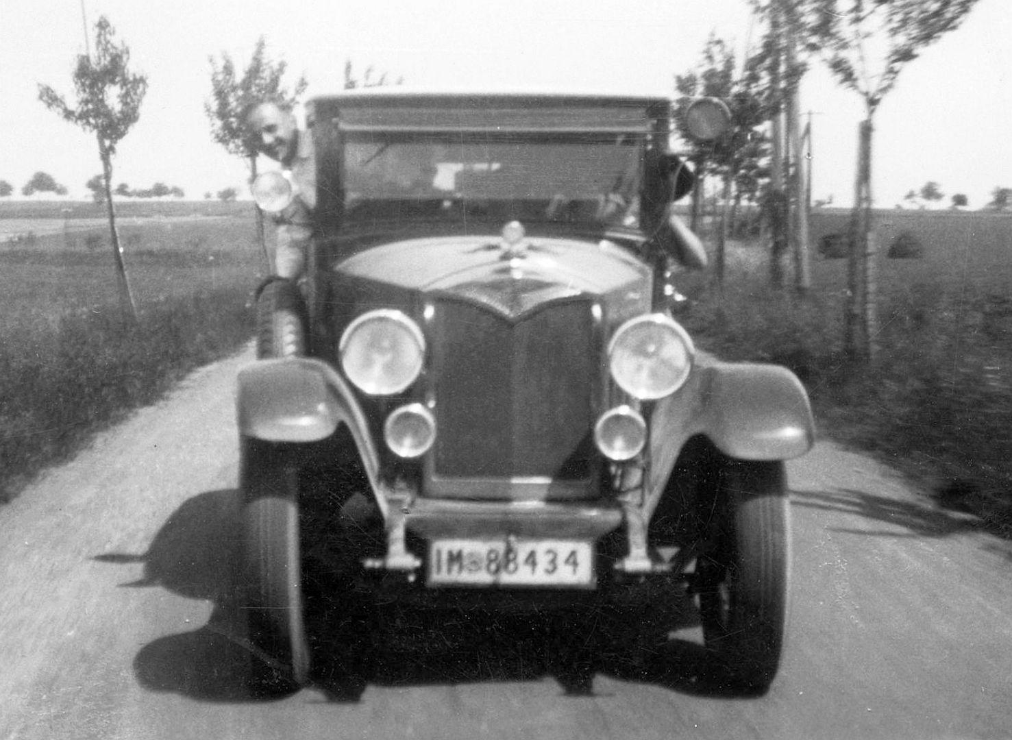 Protos_Typ_C_10-30_PS_Limousine_1918-24_Front_Galerie