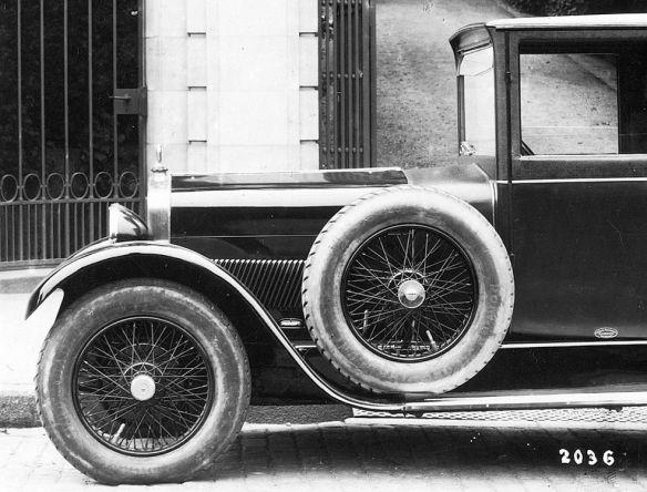 Ansaldo_8-32PS_Reutter_für_Fuchs&Börner_08-1925_Frontpartie