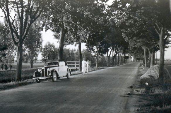 DKW_F5_Front_Luxus_Cabrio_4-sitzig_bei_Elbing_06-1937_Galerie