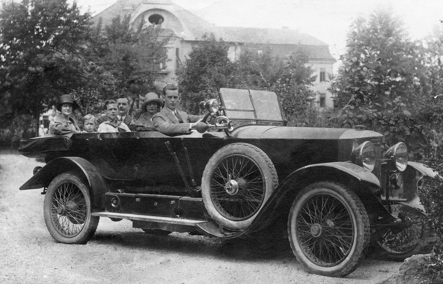 Austro-Daimler_AD617_Galerie
