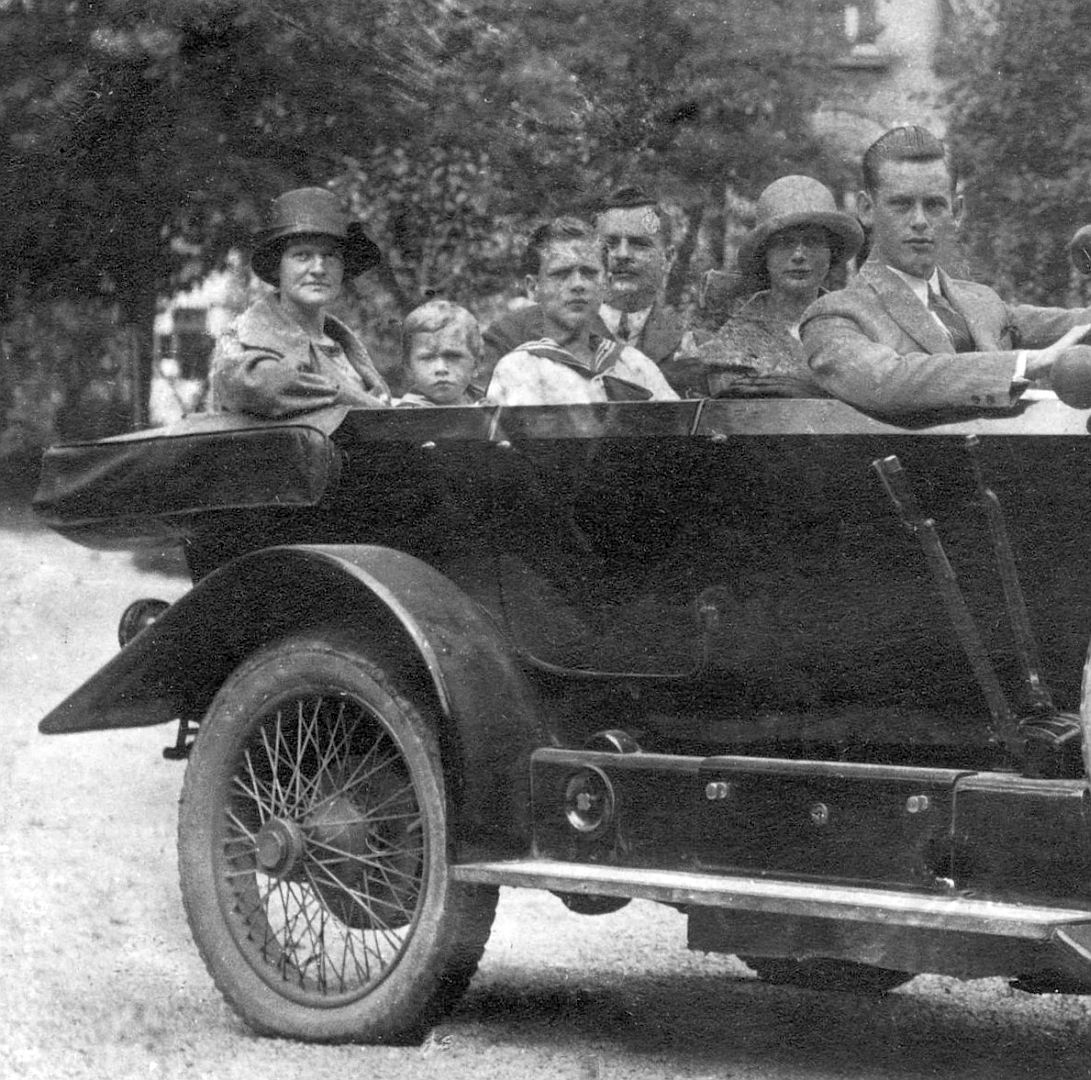 Austro-Daimler_AD617_Insassen
