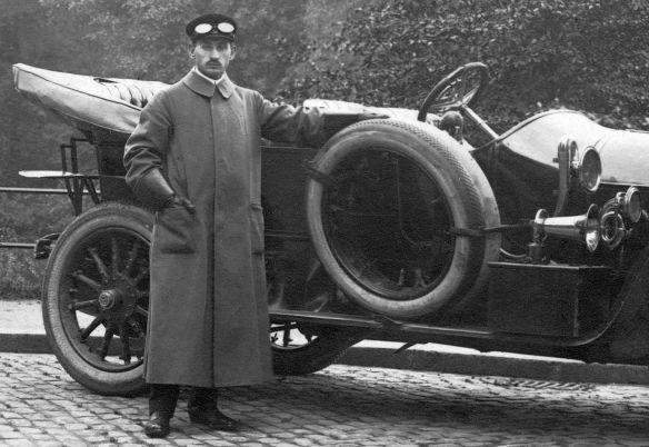 Benz_Ak_Dü-dorf_nach_Krefeld_1911_Heckpartie