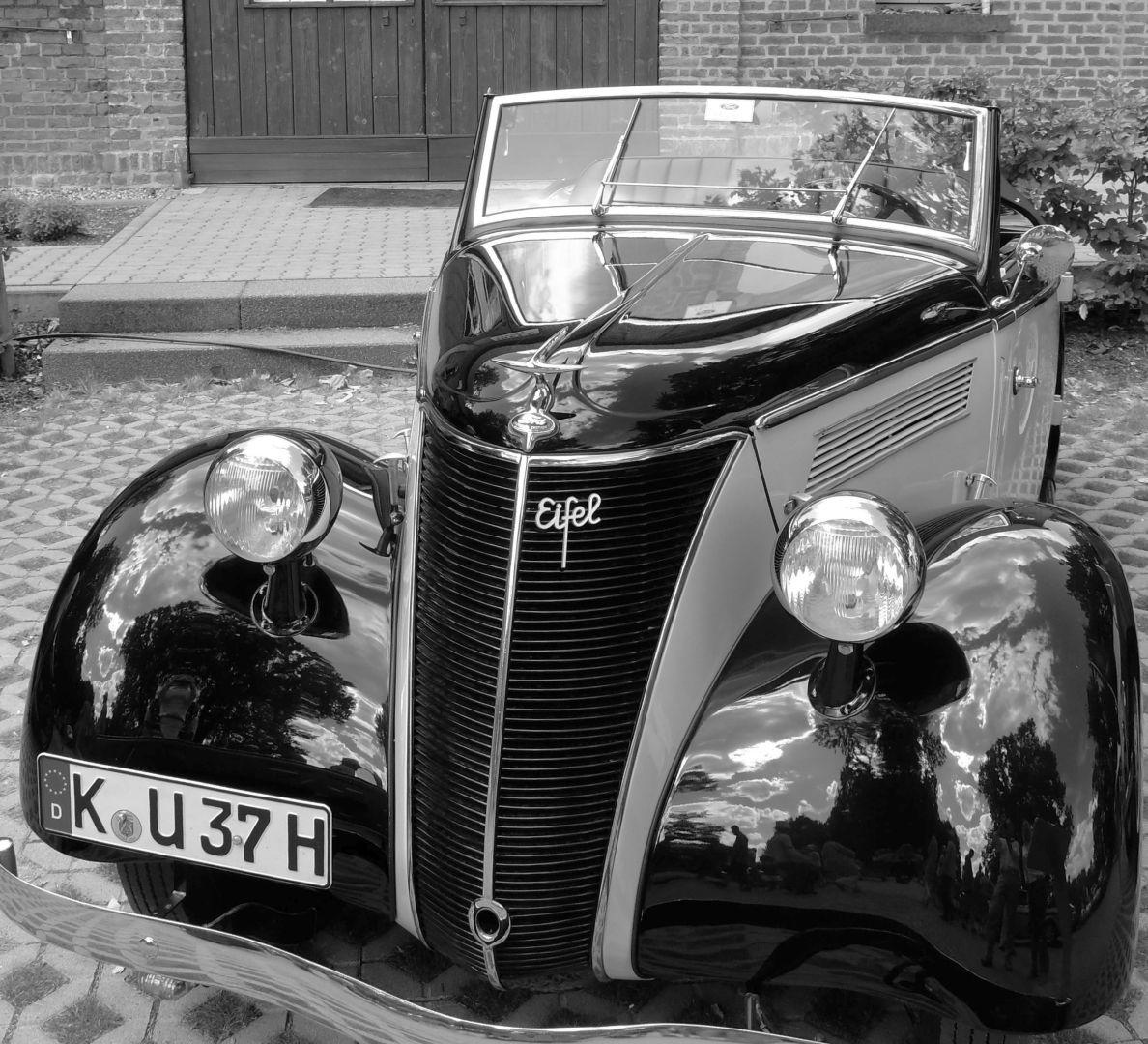 Ford_Eifel_Schloss_Dyck_2013_Galerie